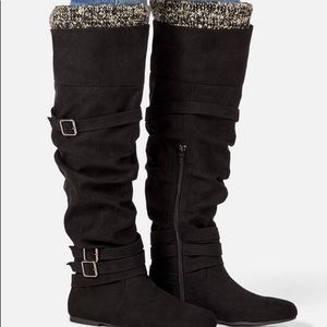 Over the knee sweater cuff